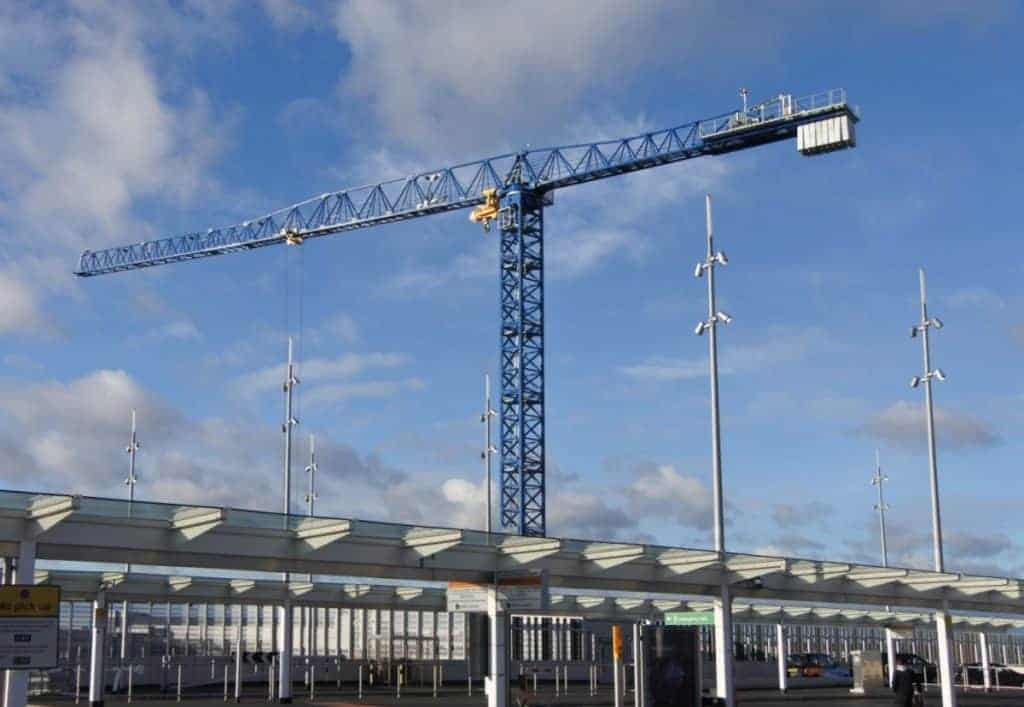 Uk Largest Flat Top Crane At Heathrow Airport