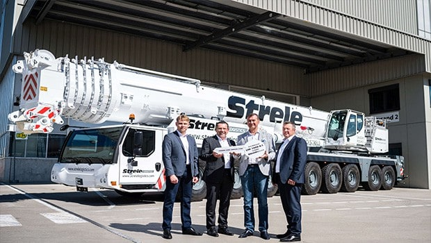 Liebherr handing over of LTM1450-8.1 to Strele Logistics in Ehingen.