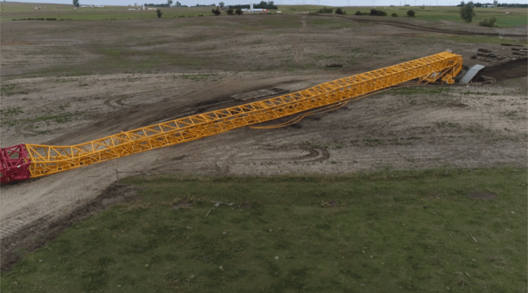 Bucker Heavylift's new Liebherr LR11000 overturn in South Dakota.