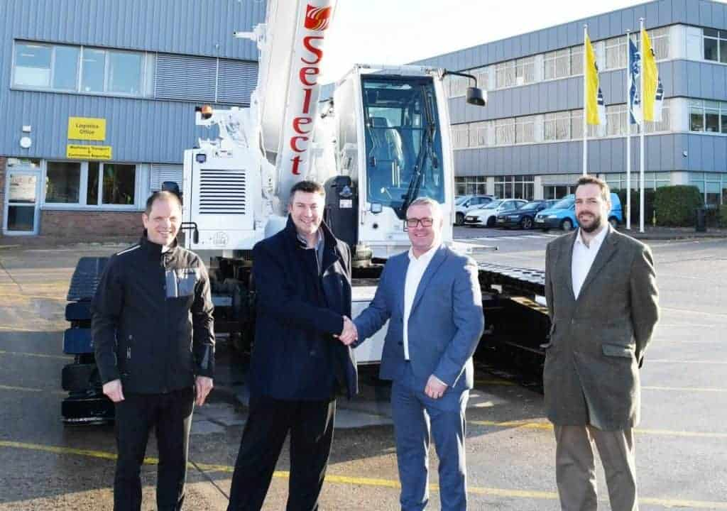 Handshake between Liebherr and Select Plant Hire