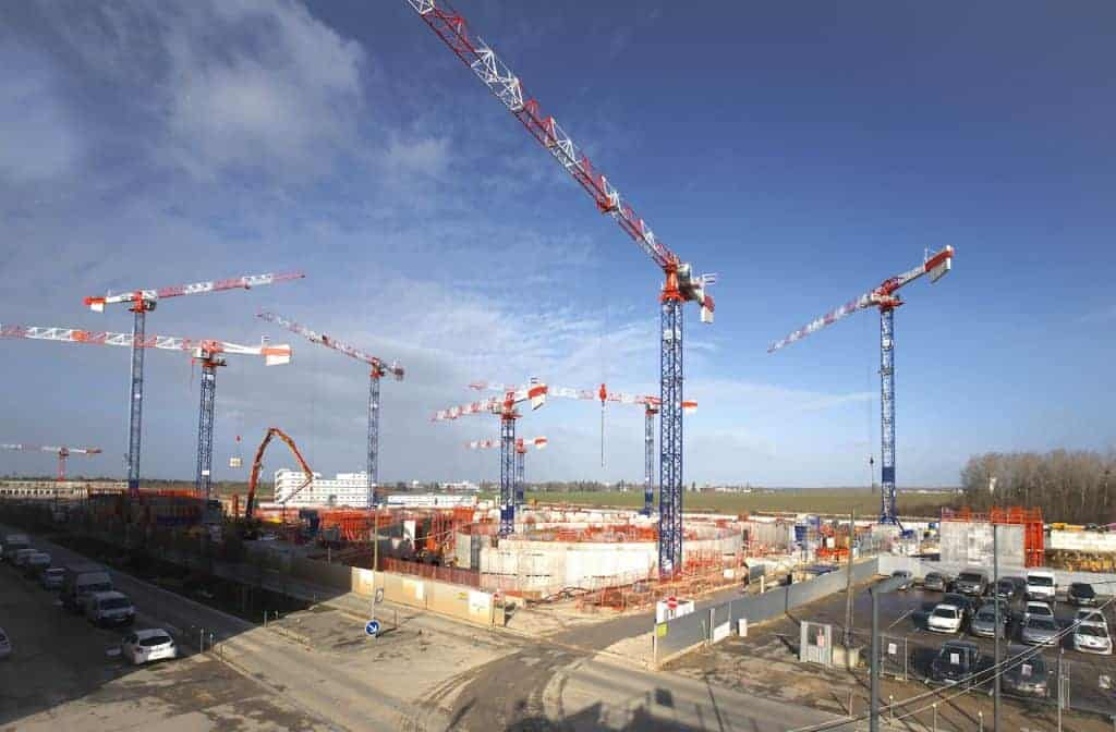 Eight Potain Mdt 389 Cranes Speed Construction Of Cutting Edge Medical Research Facility 01